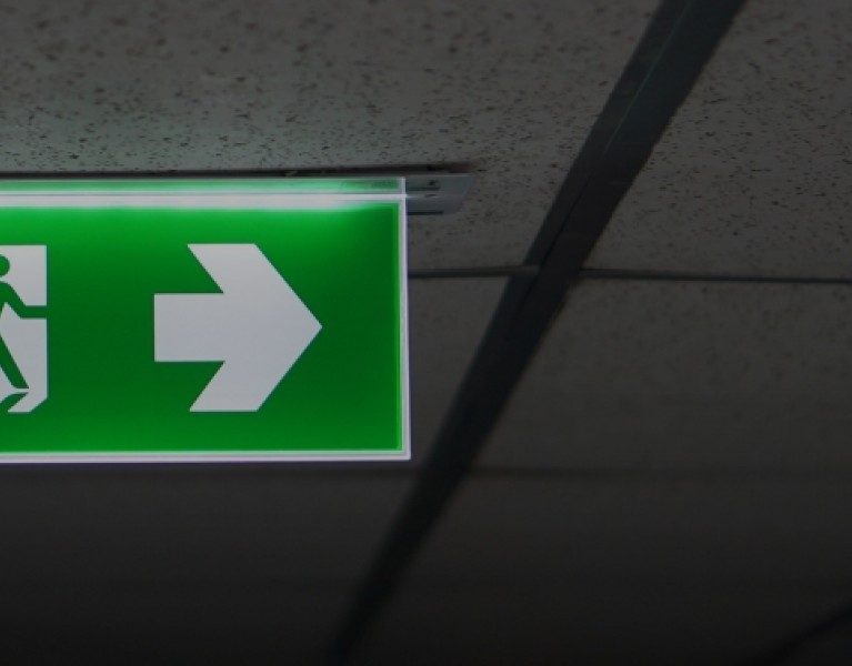 Emergency  luminaire <span>(with exit sign)</span>